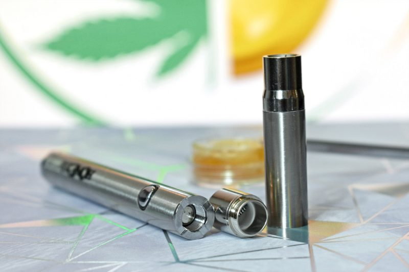 Twist vape pen battery and silencer wax atomizer - best vape pen for wax setup!