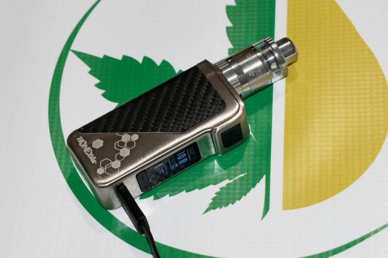 Extreme Dab Pen powered by 60W Vape Battery